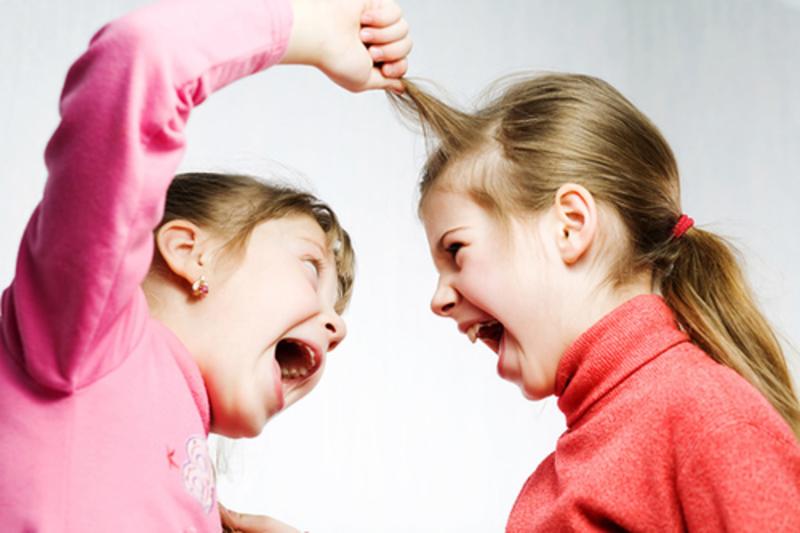 Aгресивно дете. Семейно-родови причини и възможни решения.